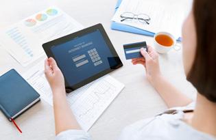 Как оплатить кредит Совкомбанк через интернет банковской картой Сбербанка