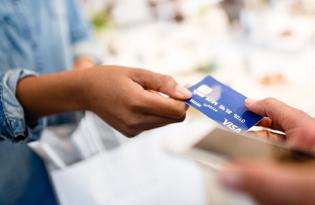 Дебетовые и кредитные карты банка «Возрождение»